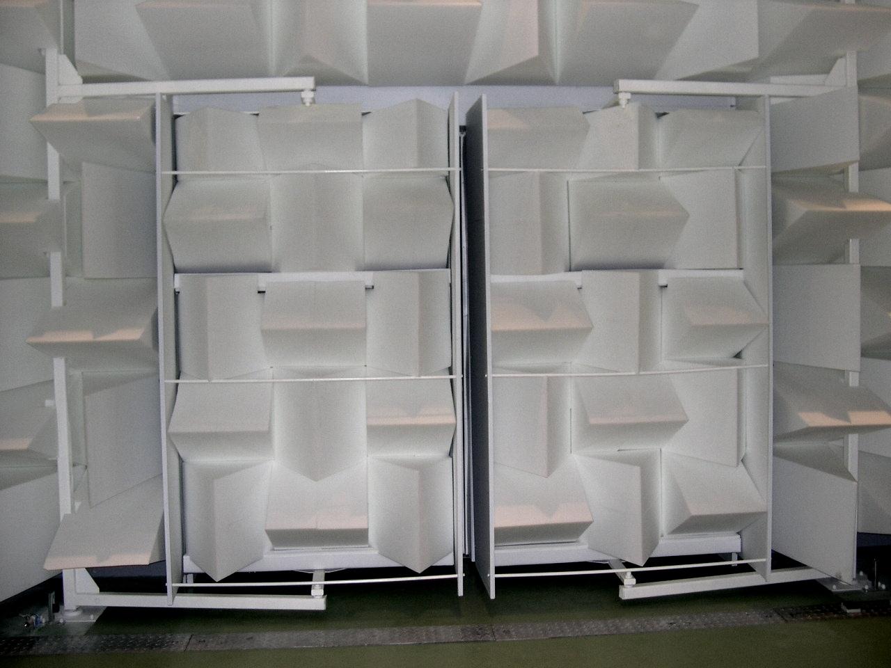comment isoler une porte du bruit maison design mail. Black Bedroom Furniture Sets. Home Design Ideas
